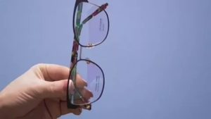 Защитные очки после замены хрусталика