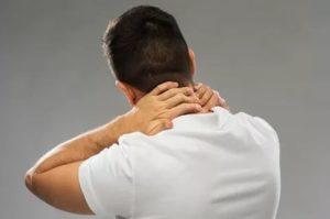 Боль в шее при шейном остеохондрозе