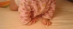 Малышке 2,5 месяца упала с дивана и ударилась головкой