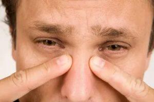 Постоянно болит голова, глаза красные