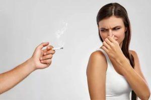 Вреден ли небольшой запах сигарет