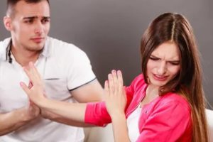 Бывший муж не оставляет в покое
