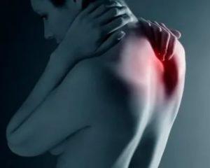 Беспокоит боль в сердце отдающая в спину
