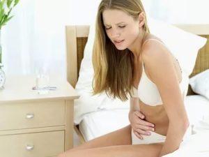 При половом акте девушке больно