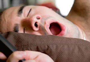 Закладывает нос во время сна
