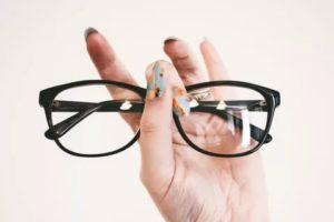 Из-за очков падает зрение