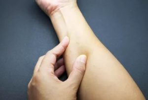 Уплотнения или шишки на левом предплечье